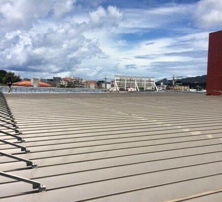 沖縄県名護市 店舗 屋根塗装 (1)